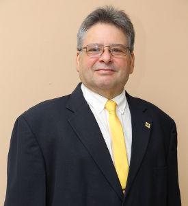 Dr. Humberto Álvarez